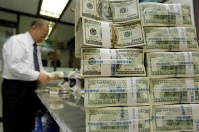 ارتفاع الدولار مقابل العملات الرئيسية