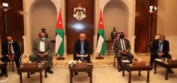 العيسوي يلتقي شيوخ ووجهاء من البادية في الديوان الملكي (صور)
