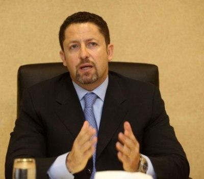 أحمد الشياب يهنئ الوزير الأسبق علاء البطاينة