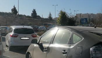 الأمن: الفضوليون يسببون الازدحامات المرورية
