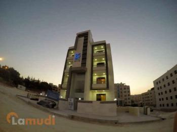شقة طابقية 150 متر في الجبيهة للبيع