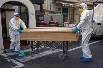 وفيات كورونا عالميا تتجاوز 2 مليون
