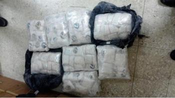 مكافحة المخدرات تحبط تهريب 200 ألف حبة مخدرة