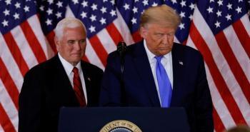 النواب الأمريكي يناقش مشروع قرار يدعو بنس لعزل ترامب