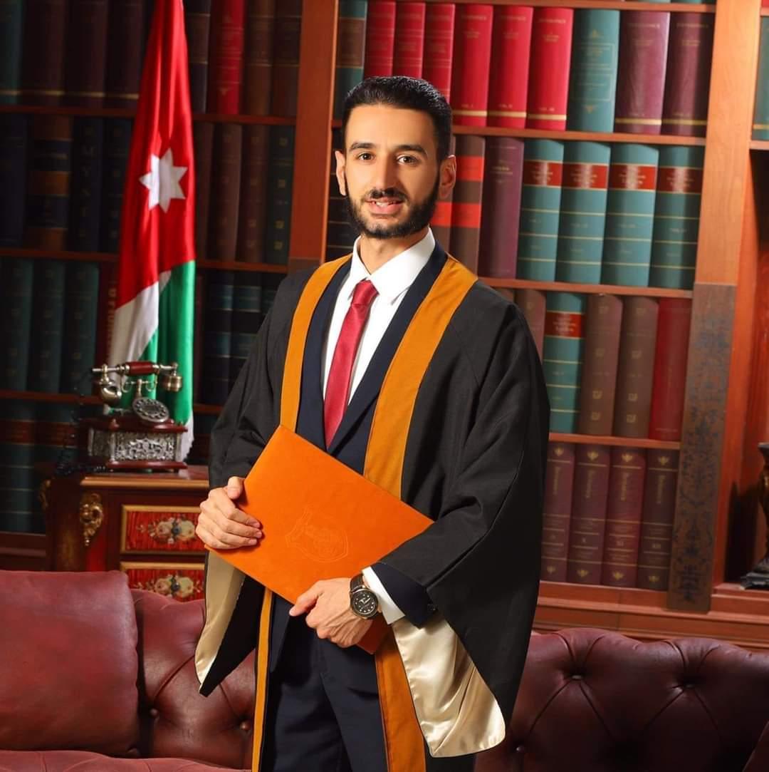 محمد ياسين ابو رمان مبارك التخرج