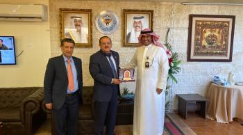 رئيس جامعة مؤتة يلتقي الملحق الثقافي الكويتي
