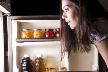 متلازمة الأكل الليلي ..  كيف تتخلصين منها؟