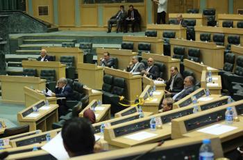 ترجيحات بفض استثنائية النواب بعد إقرار قانون العقوبات