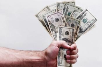 كم كان عمر أغنى 14 شخصا في العالم عندما أصبحوا من أصحاب المليارات لأول مرة؟