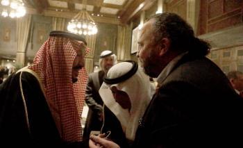 الملك سلمان يطمئن على صحة الزميل سعد السيلاوي