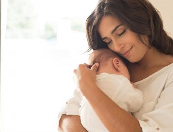 الصحة العالمية تنصح الأمهات المصابات بكورونا بمواصلة الرضاعة الطبيعية