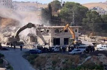الاحتلال يهدم 4 منازل بالنقب ورام الله