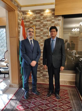 رئيس جامعة الحسين التقنية يلتقي السفير الهندي