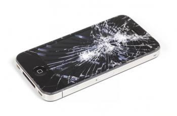 أمور يجب أن تفعلها عند ظهور تشققات بشاشة هاتفك