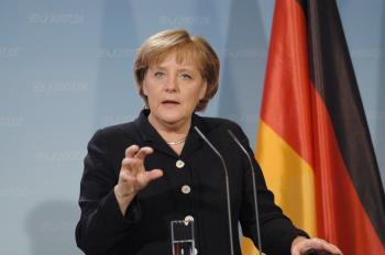 ميركل: حل الدولتين سيظل الطريق الصحيح لإنهاء الصراع في الشرق الأوسط