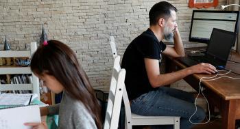 دراسة: الجلوس الطويل يسبب السرطان