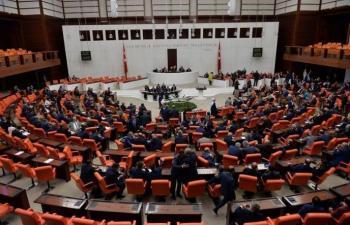البرلمان التركي يوافق على تمديد نشر قوات في العراق وسوريا