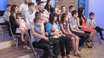 أكبر عائلة في بريطانيا ترحب بطفلها العشرين