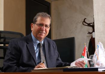 عمان العربية  توثق شهاداتها وكشوف علاماتها لحمايتها من التزوير