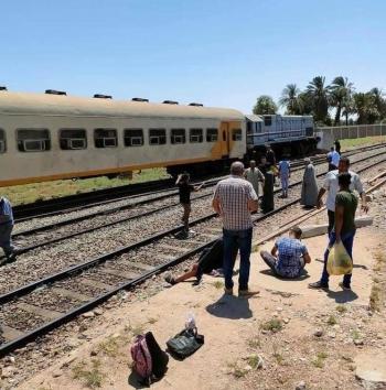 إصابة شخصين بعد اصطدام قطار بجدار خرساني في مصر