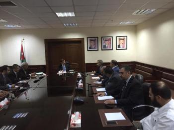 وزير الصحة يلتقي نقيب الاطباء ومجلس النقابة