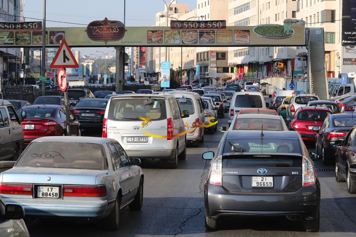 اختناقات مرورية في شوارع عمان (صور)