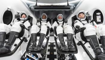 ناسا تطلق المركبة الأمريكية المأهولة للمحطة الفضائية تشرين أول
