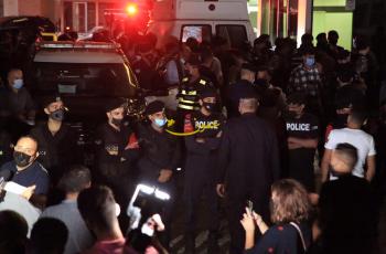 الحكومة: تماس كهربائي تسبب بانزال قاطع الاضاءة داخل مستشفى الجاردنز