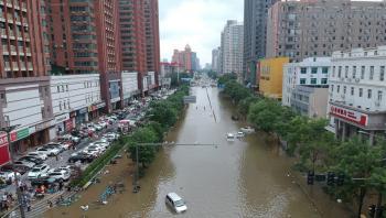 ارتفاع ضحايا فيضانات الصين إلى 99 قتيلًا