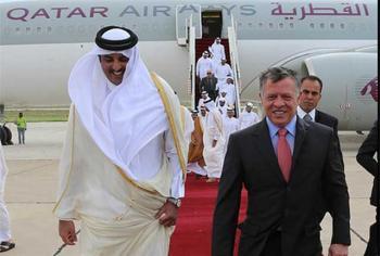 الملك يتلقى اتصالا هاتفيا من أمير قطر