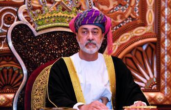 سلطان عمان يصدر مراسيم بإعادة تنظيم مجلسي الدفاع والأمن الوطني