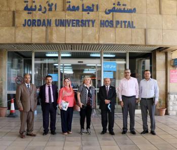 تعزيز سبل التعاون بين مركز تنمية وخدمة المجتمع ومستشفى الجامعة الأردنية