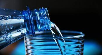كم يوما يستطيع الإنسان العيش من دون شرب الماء؟