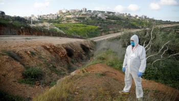 الاحتلال يؤجل تطعيم العمال الفلسطينيين حتى اشعار اخر