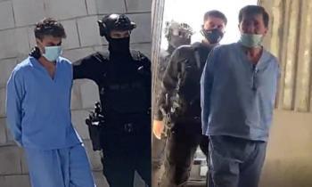 عوض الله والشريف حسن بالبدلة الزرقاء امام المحكمة (صور، فيديو)