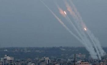 المقاومة: اطلاق 300 صاروخ باليوم الثاني من سيف القدس