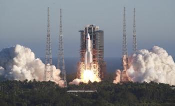 الصين تطلق مركبة فضائية في مهمة غامضة