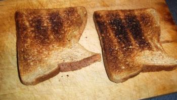 التحميص المفرط للخبز قد يسبب السرطان