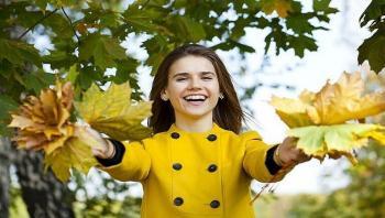 طبيبة تكشف سبيلا لمكافحة اكتئاب الخريف