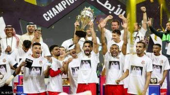 شباب الأهلي يتوج بكأس السوبر الإماراتي