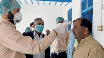 الباكستان تسجل 798 إصابة جديدة بفيروس كورونا
