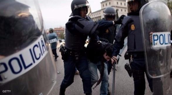 إسبانيا: القبض على مغربي بتهمة تمويل مقاتلين وتجنيدهم