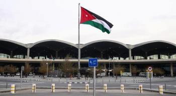 الحكومة تعلن تفاصيل آلية تسيير الرحلات الجويّة المنتظمة