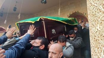 ودعوها بالدموع والدعوات ..  آلاف المصريين يحتشدون لتشييع عبلة الكحلاوي