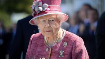 الملكة إليزابيث تتلقى لقاح كورونا قريباً وعلناً