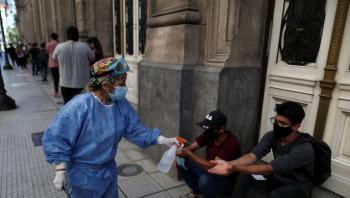 الأرجنتين تقرع ناقوس الخطر بعد زيادة كبيرة في إصابات كورونا