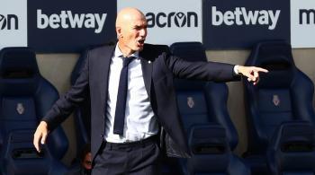 تقرير: أيام زيدان باتت معدودة وريال مدريد يحدد بديله