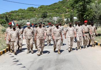 الحنيطي يزور قيادتي المنطقة العسكرية الشمالية والشرقية