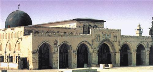 مفتي القدس يدين منع الاحتلال أعمال الترميم في المسجد الأقصى