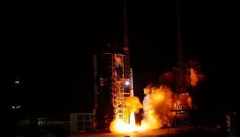 رغم التائه ..  الصين تطلق صاروخا جديدا للفضاء